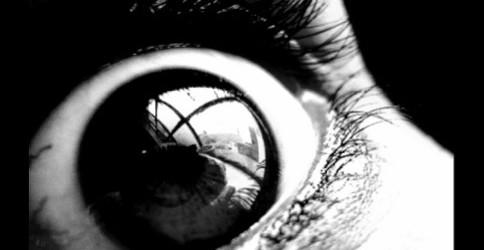 Jeudi 16 juin : projections / discussion «contre la psychiatrie et la médicalisation du monde» avec présentation du journal Sans Remède à La Buissonnière (Fontenay-sous-Bois) Des millions d'entre nous ont...